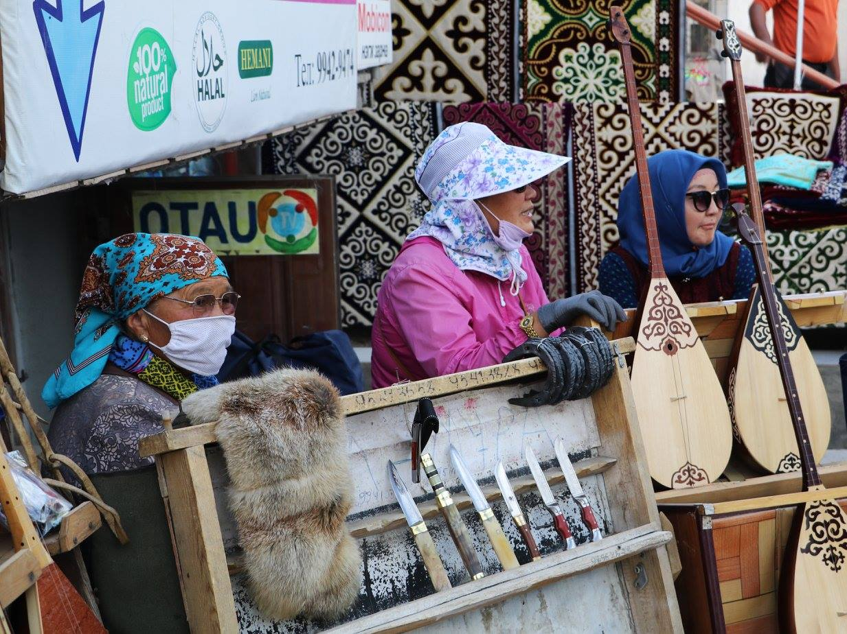 What souvenir items to buy in Mongolia